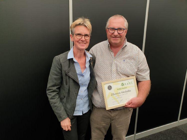 Geert Devriese en zijn vrouw Ingrid Devriese-Luyssen ontvingen de zilveren KVBC-award