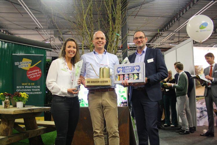 De drie finalisten in de categorie Beste Product: Sharell Hoogervorst van Greenmax, René Voogt van Connected Green en Henk Vlijm van Optigrün