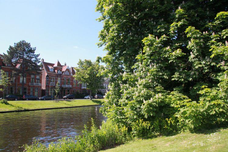 De bijeenkomst vond plaats in de groene inspirerende omgeving van de Leidse Hortus Botanicus.