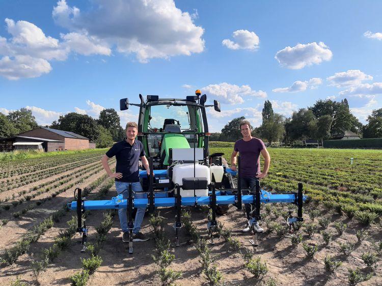 LVS-kweker Koen Linders en Aron Willems (Willems Techniek)