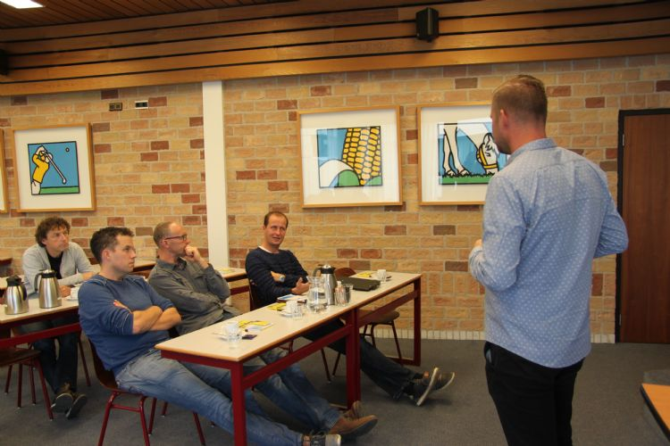 Floor Drissen van Barenbrug tijdens zijn presentatie