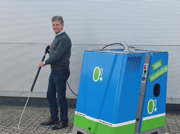Nieuwe kracht Jan van der Zanden met de Weedmaster eM