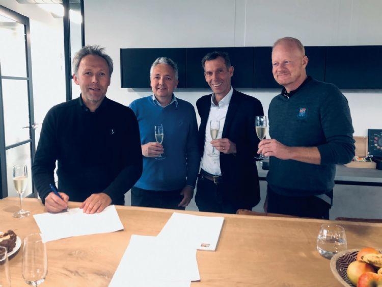 V.l.n.r.: Arie-Jan de Ridder, Frank de Ridder (beiden De Ridder BV), Michael van den Berg en Igor de Koning (beiden Old Course Loenen).